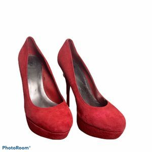 Bakers red suade pump heel 8 round toe stiletto